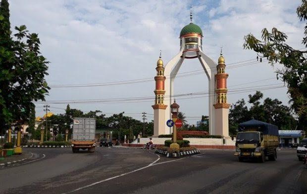 menara-masjid-nurul-falah-rantau-tapin_20180219_083050
