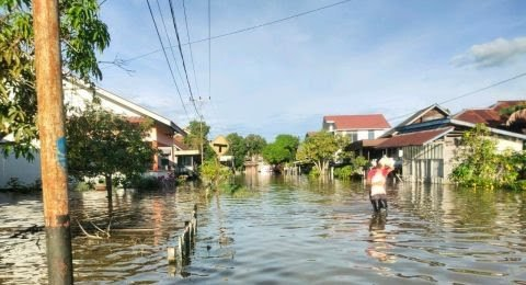 71959-banjir-menerjang-kapuas-hulu-minggu-1392020